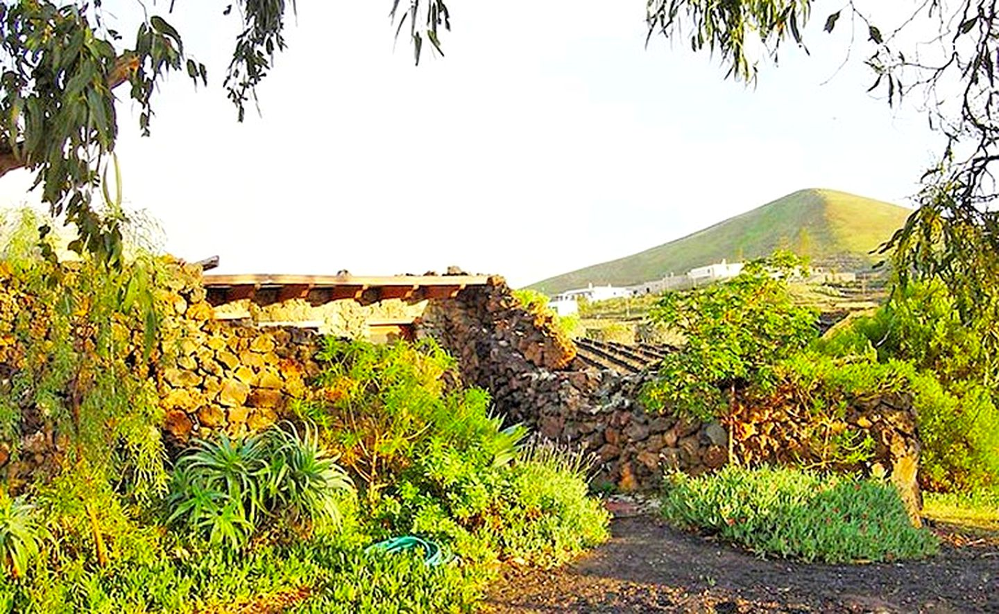 Cottages (Lanzarote, Canary Islands, Spain)
