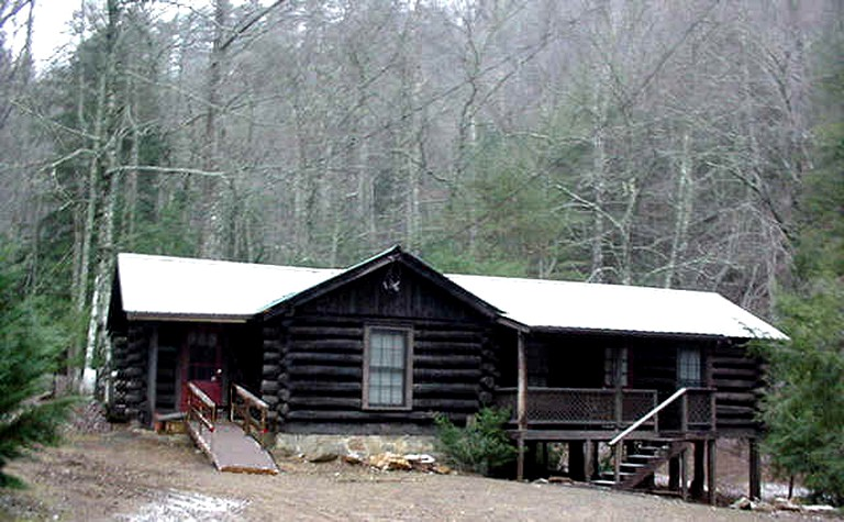 Cozy Log Cabin With And Two Kitchens Located Near Blairsville Georgia