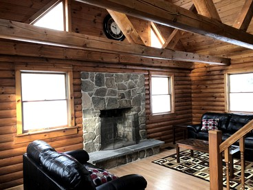 Amazing Log Cabins With Fireplaces In Pennsylvania Home Interior And Landscaping Analalmasignezvosmurscom