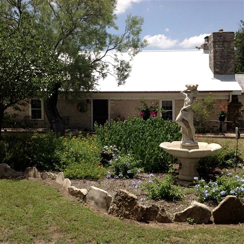 Vacation Rentals (Fredericksburg, Texas, United States)