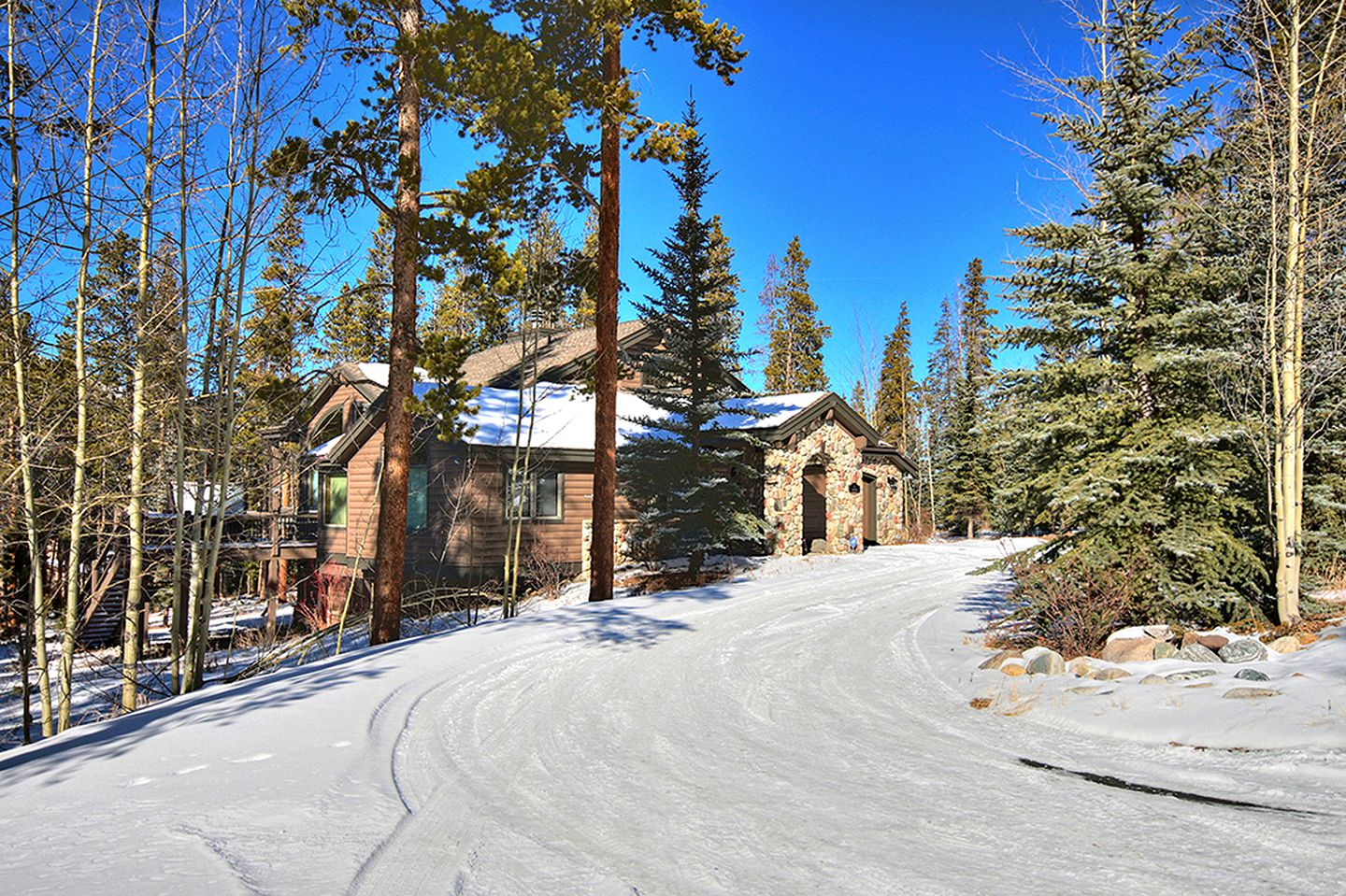 Cabins (Breckenridge, Colorado, United States)