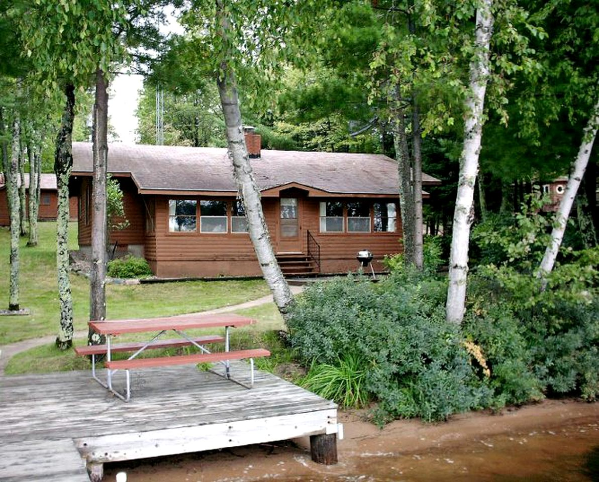 Cabins (Eagle River, Wisconsin, United States)
