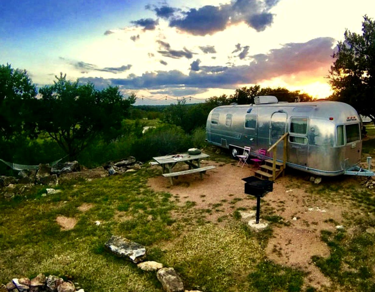 Airstreams (Mason, Texas, United States)