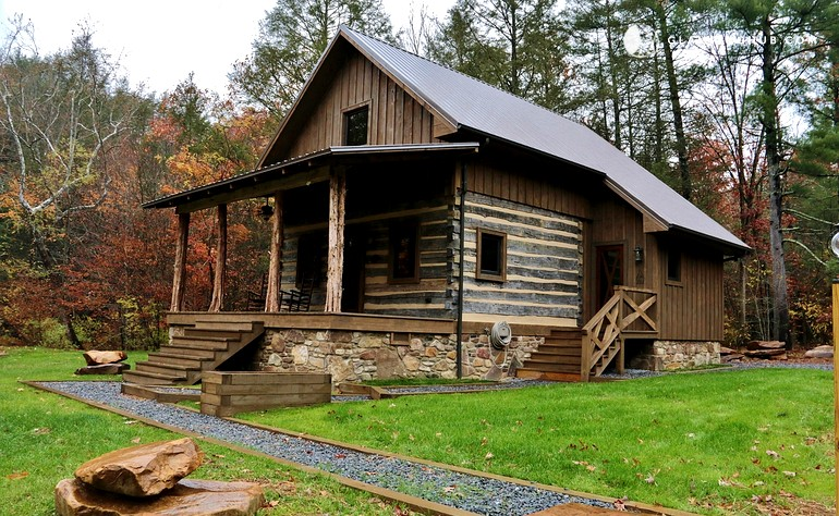 Family cabin rental in monroe county west virginia for Elegant log homes