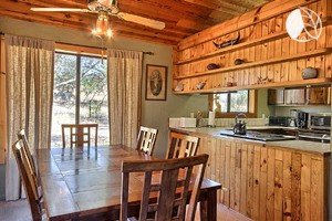 Photo of Family-Friendly Cabin near Yosemite National Park in California