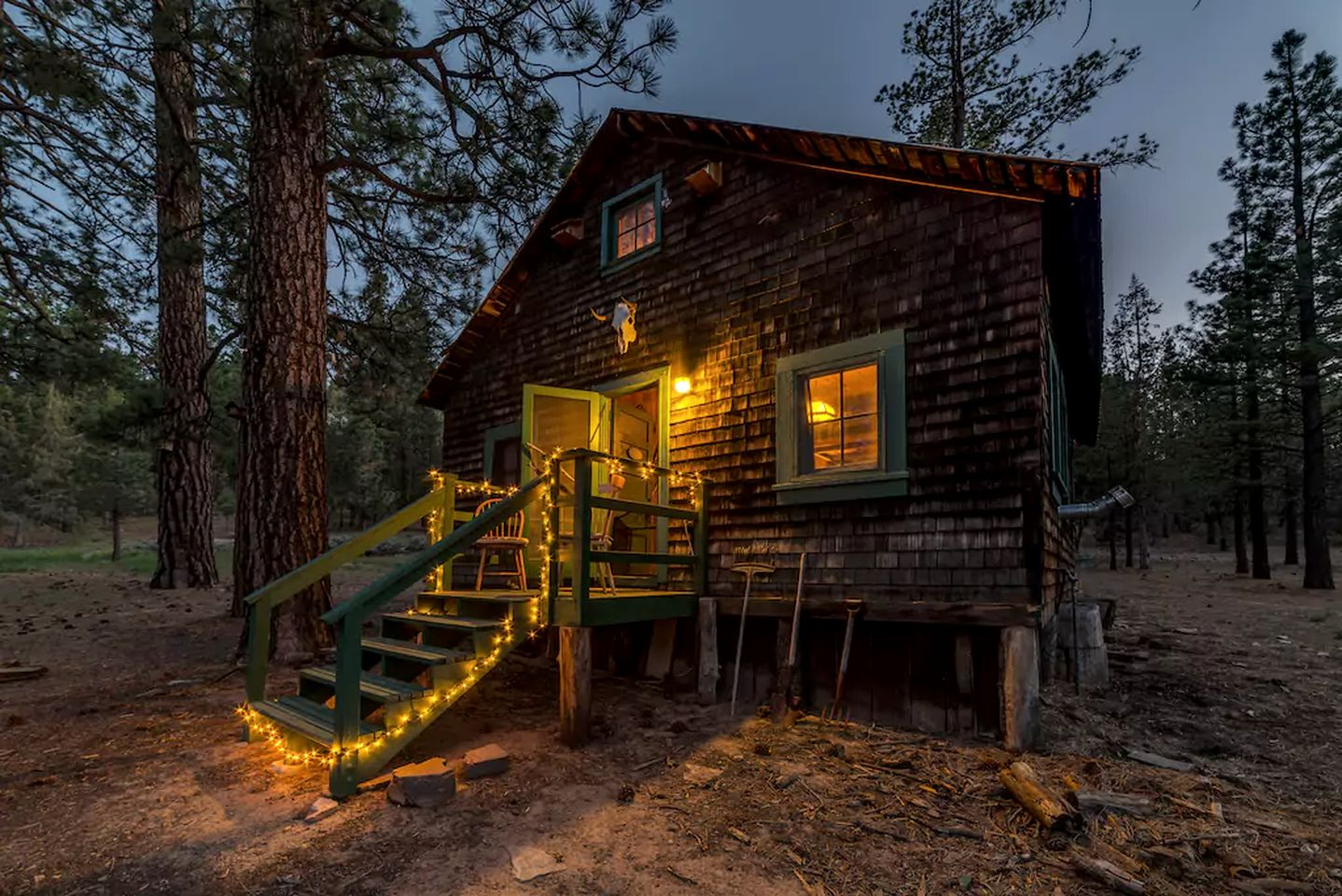 Cabins (Big Bear City, California, United States)
