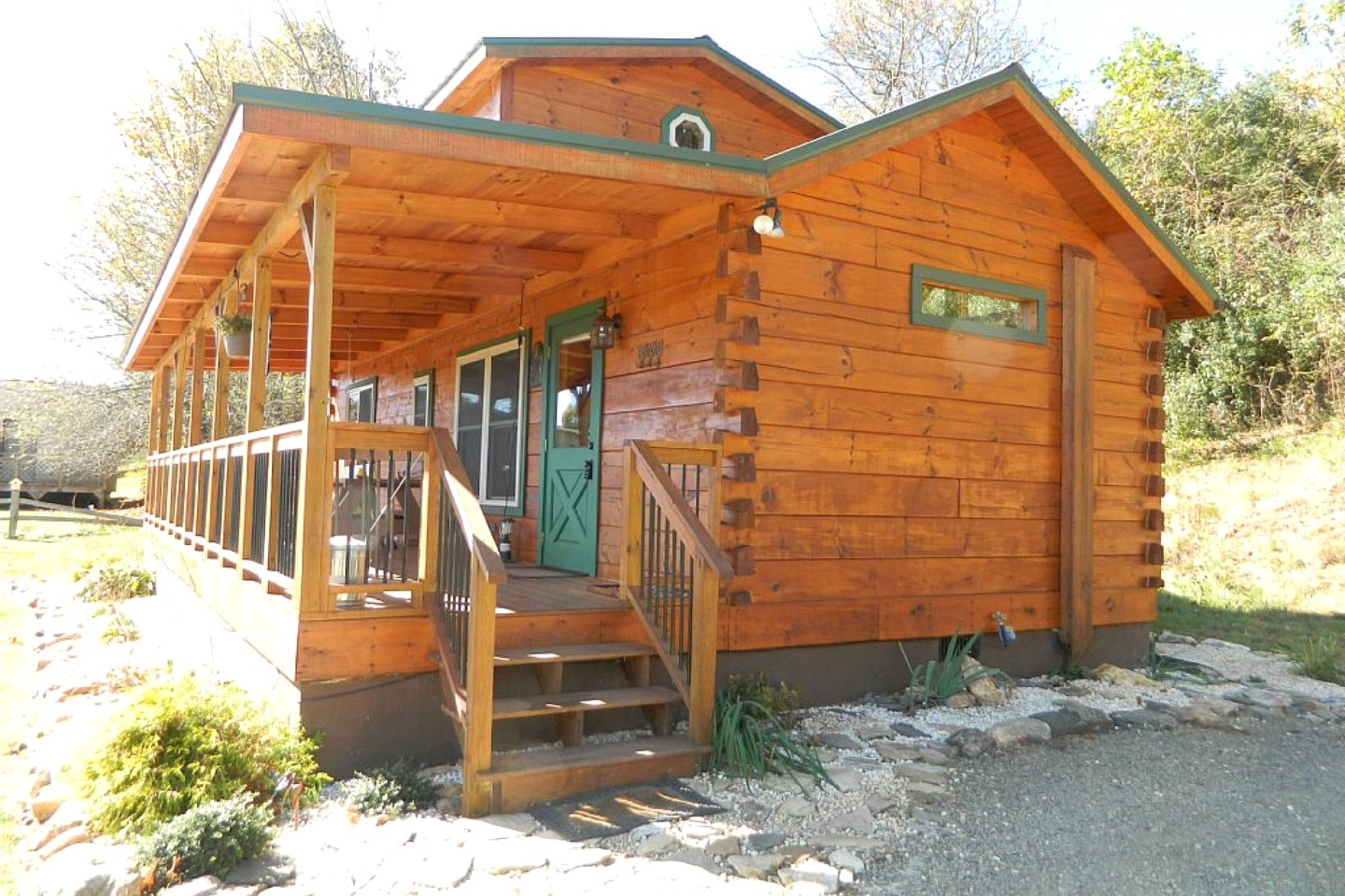 Waterfront cabin near blue ridge parkway for Cabins for sale blue ridge mountains