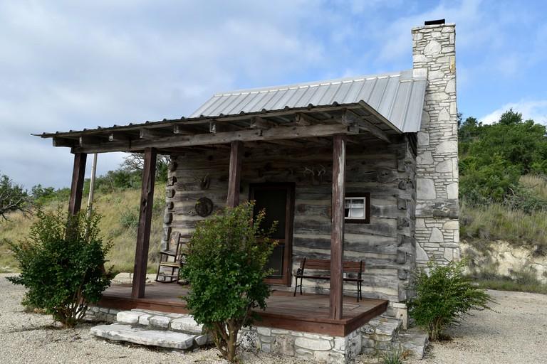 Traditional Log Cabin Rental For A Rustic Getaway Near Fredericksburg Texas