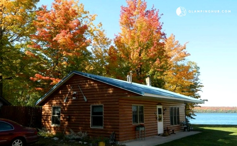 x in rental deer michigan upper beautiful park rentals cabins photo caboose lake cottage superior of cabin