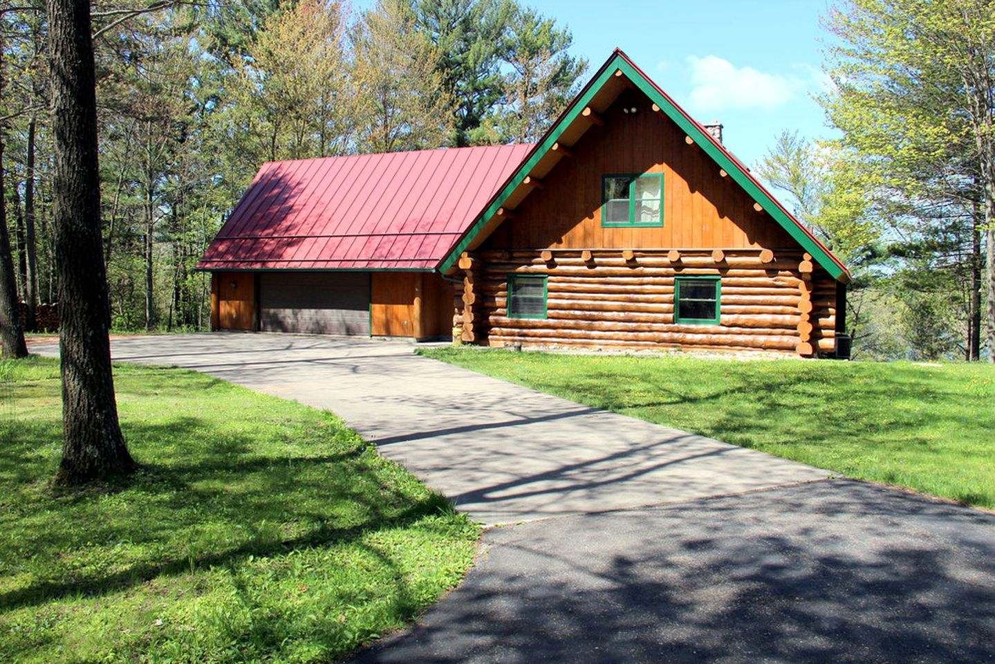 Cabins (Stevens Point, Wisconsin, United States)
