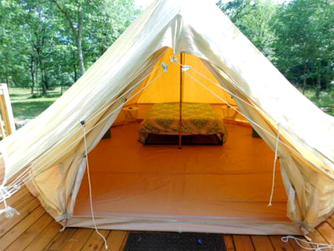 Bell Tents (Broken Bow, Oklahoma, United States)
