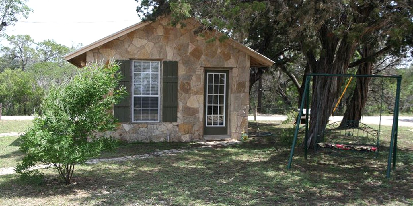 Cottages (Bandera, Texas, United States)