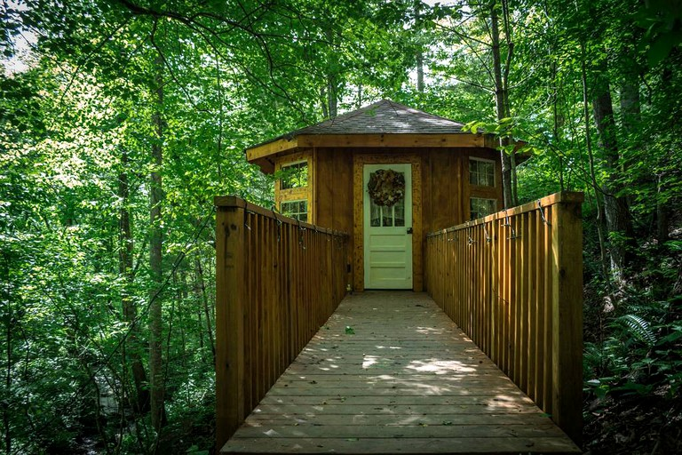 Romantic Tree House Rental near Vogel State Park in Georgia