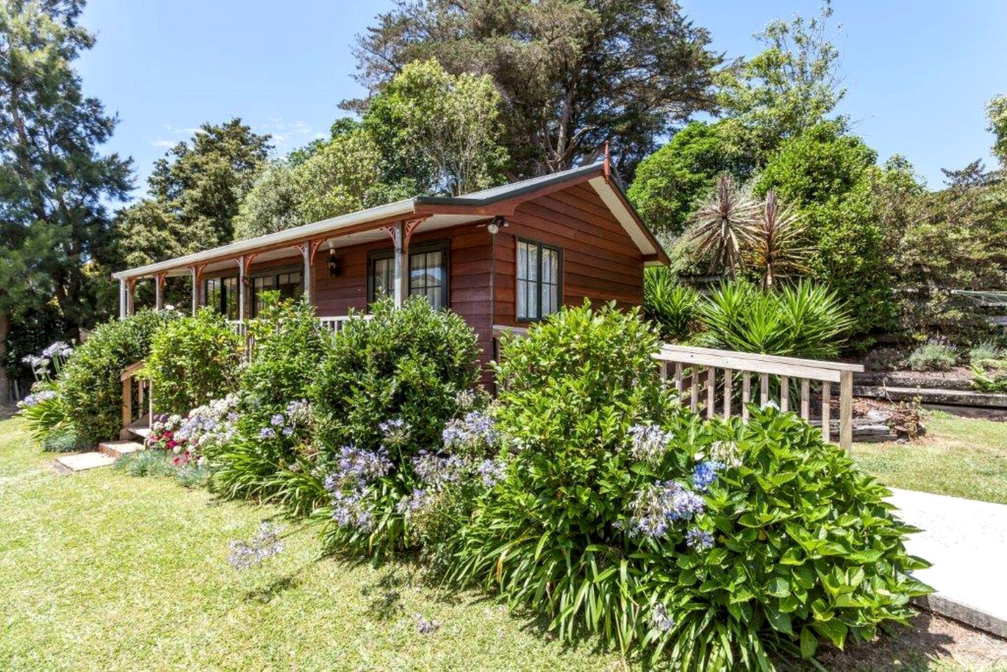 Luxury cottage rental near Karangahake Gorge, New Zealand