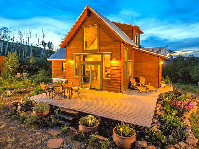 Gorgeous Cabin Rental With A Private Sauna And Tipi Near Telluride Ski Resort Colorado