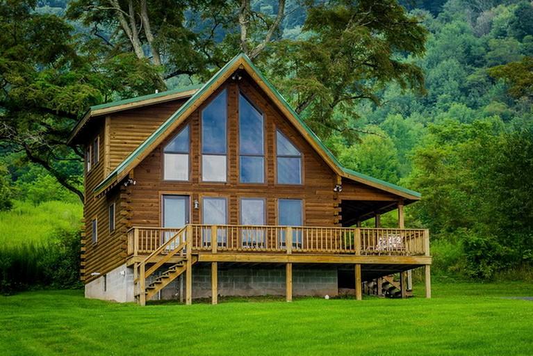 Gorgeous Secluded Romantic Cabin Rental Outside Seneca Rocks West Virginia