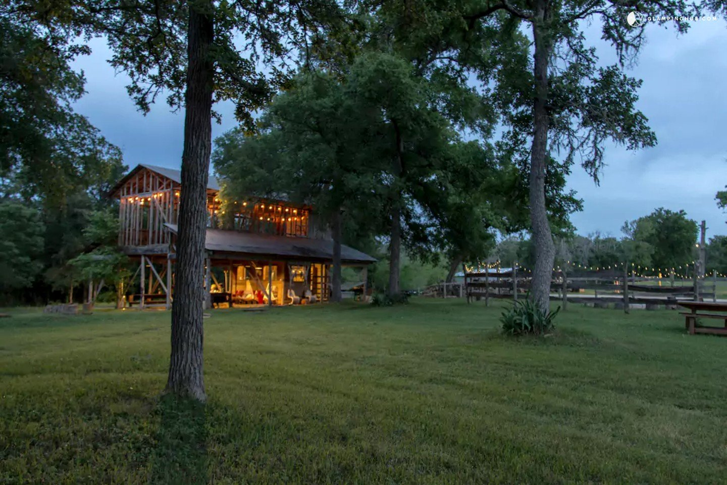 Secluded vacation rental near austin texas for Austin cabin rentals