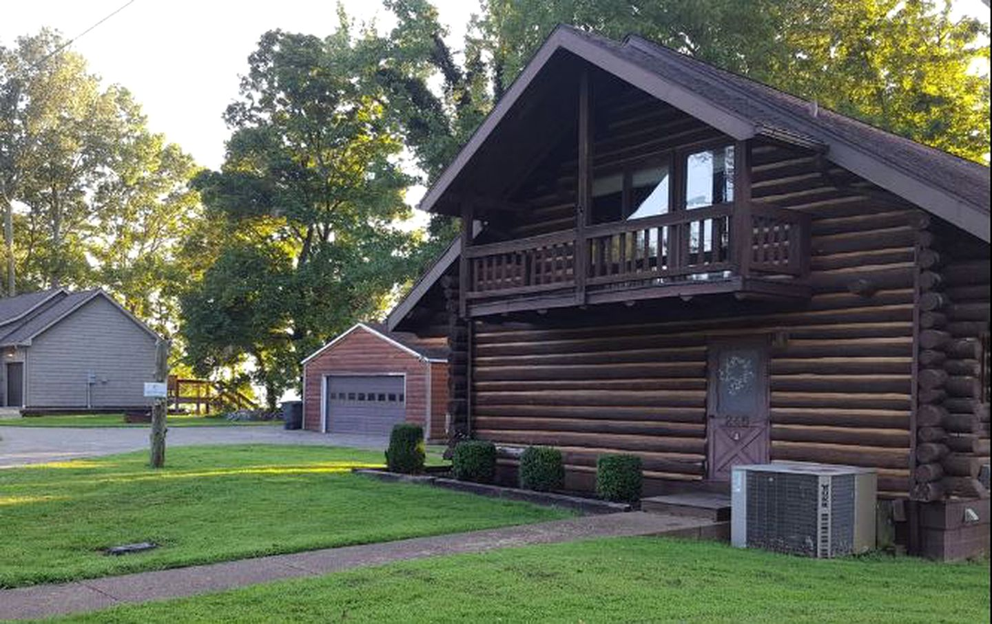Log Cabins (Cadiz, Kentucky, United States)