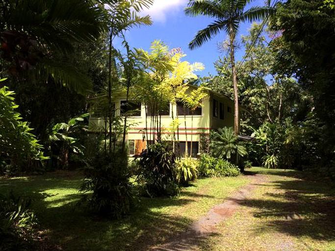 Miraculous Spacious Tropical Cottage Rental On The Hana Coast Of Maui Hawaii Home Interior And Landscaping Ologienasavecom
