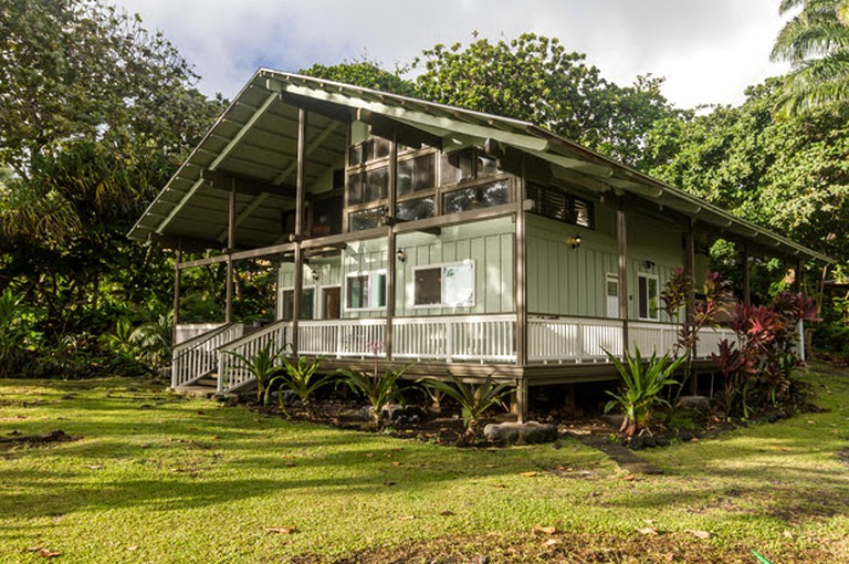 Incredible Private Cottage Rental In The Secluded Town Of Hana In Maui Hawaii Home Interior And Landscaping Ologienasavecom