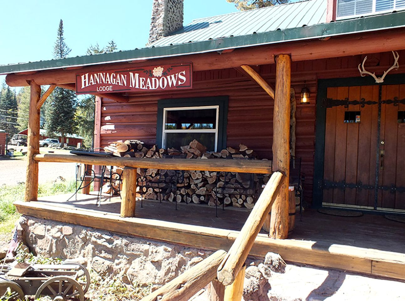 Alpine, AZ cabin rentals for your next vacation near Luna Lake
