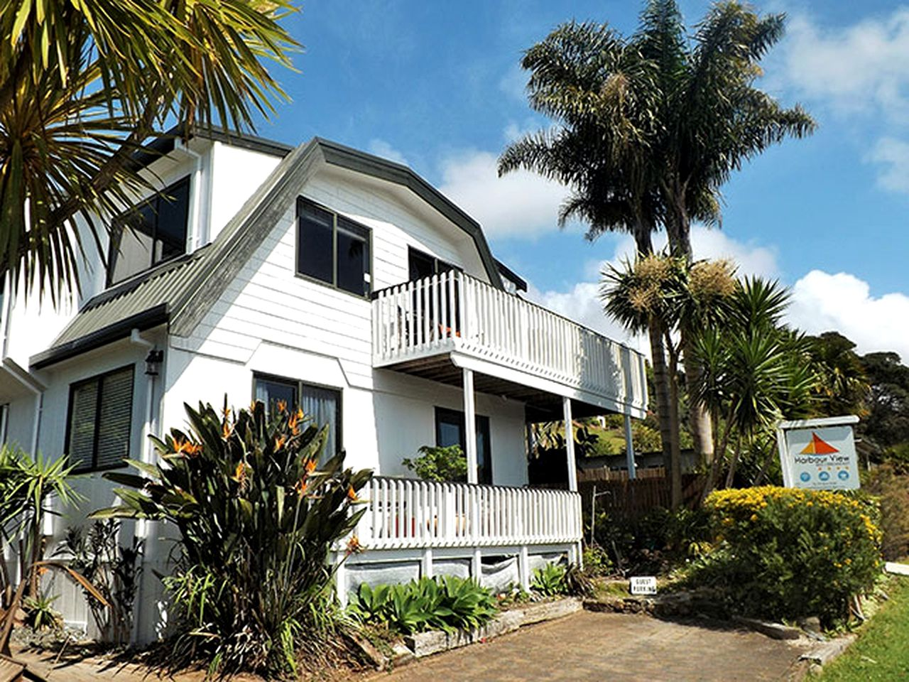 Nature Lodges (Tairua, North Island, New Zealand)