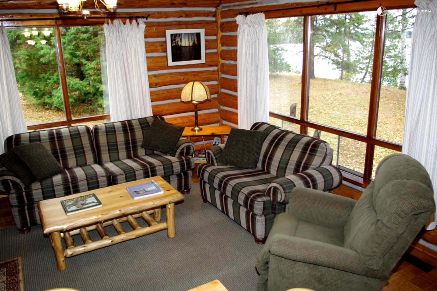 Private cabin by hay lake ontario for Lake whitney cabins with hot tubs