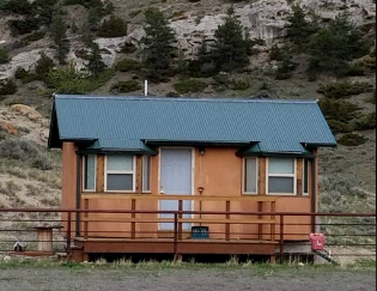 Cabins (Cody, Wyoming, United States)