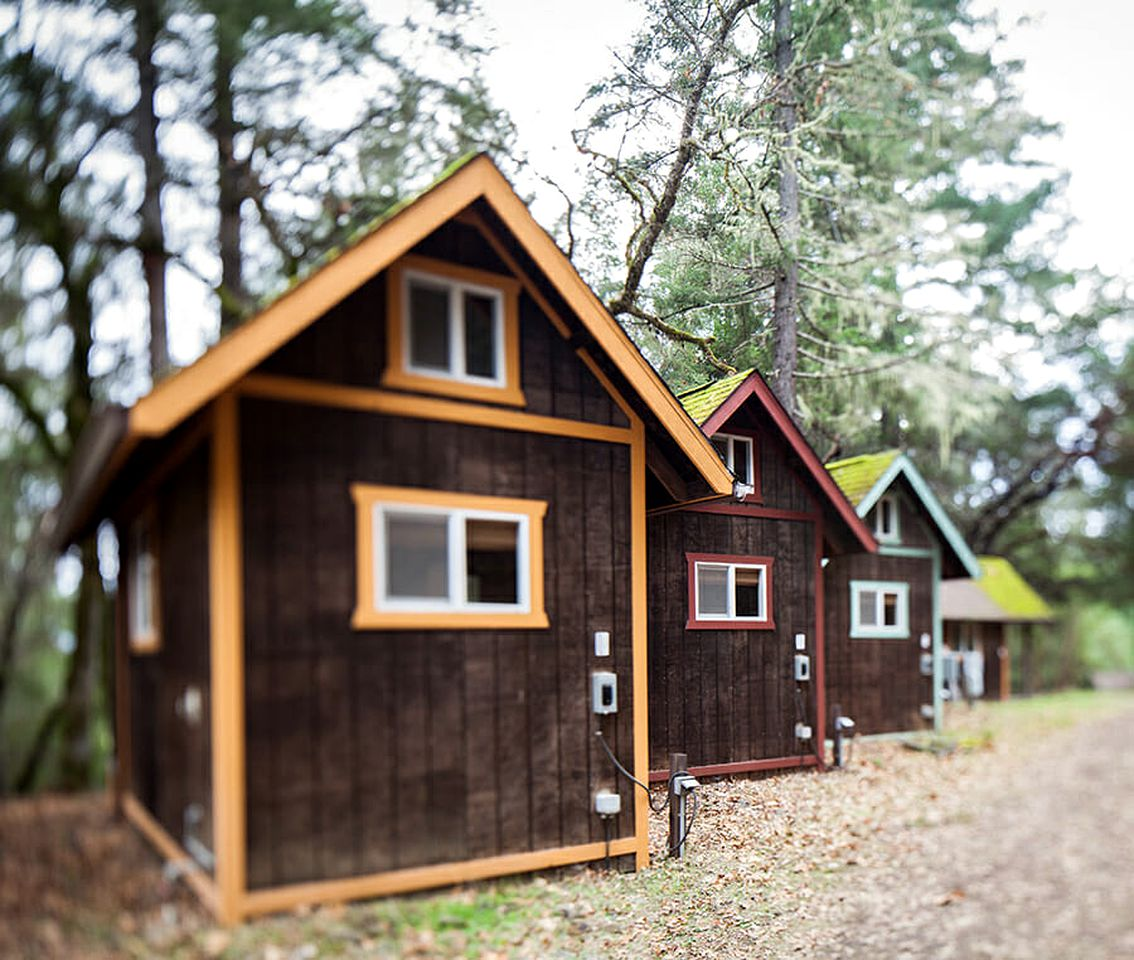 Tiny Houses (Garberville, California, United States)