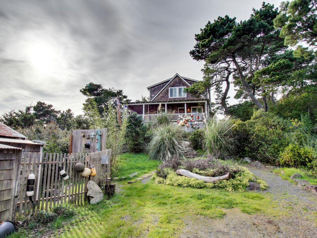 Beach Houses (Florence, Oregon, United States)