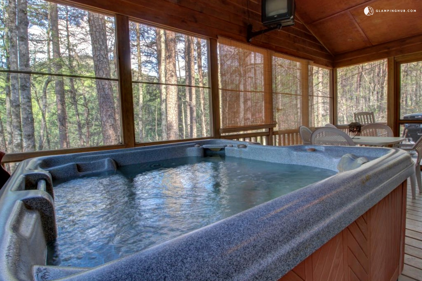 Charming Cabin With Screened In Deck And Hot Tub Near