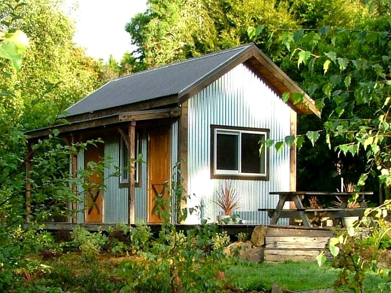 Tiny Houses (Kimbolton, North Island, New Zealand)
