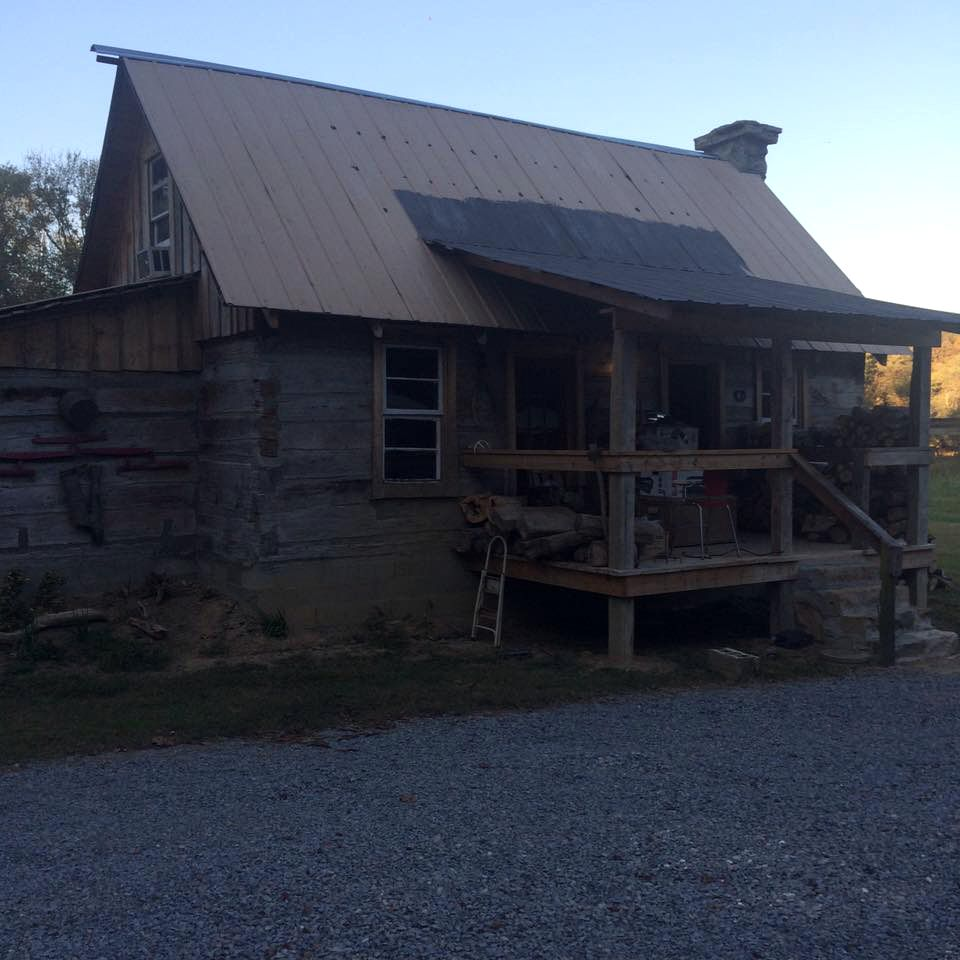 Riverfront cabin for rent in Sulphur Well, KY
