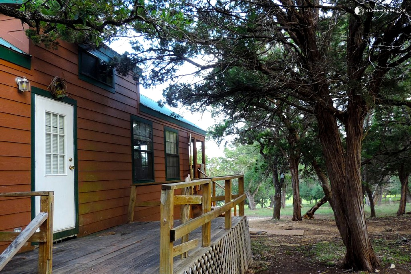 Cabin rental with kitchen near san antonio for Cabin rentals near san antonio tx
