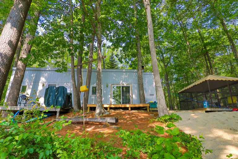 Charming Lakefront Cabin Rental for Relaxing Getaway near Poland, Maine