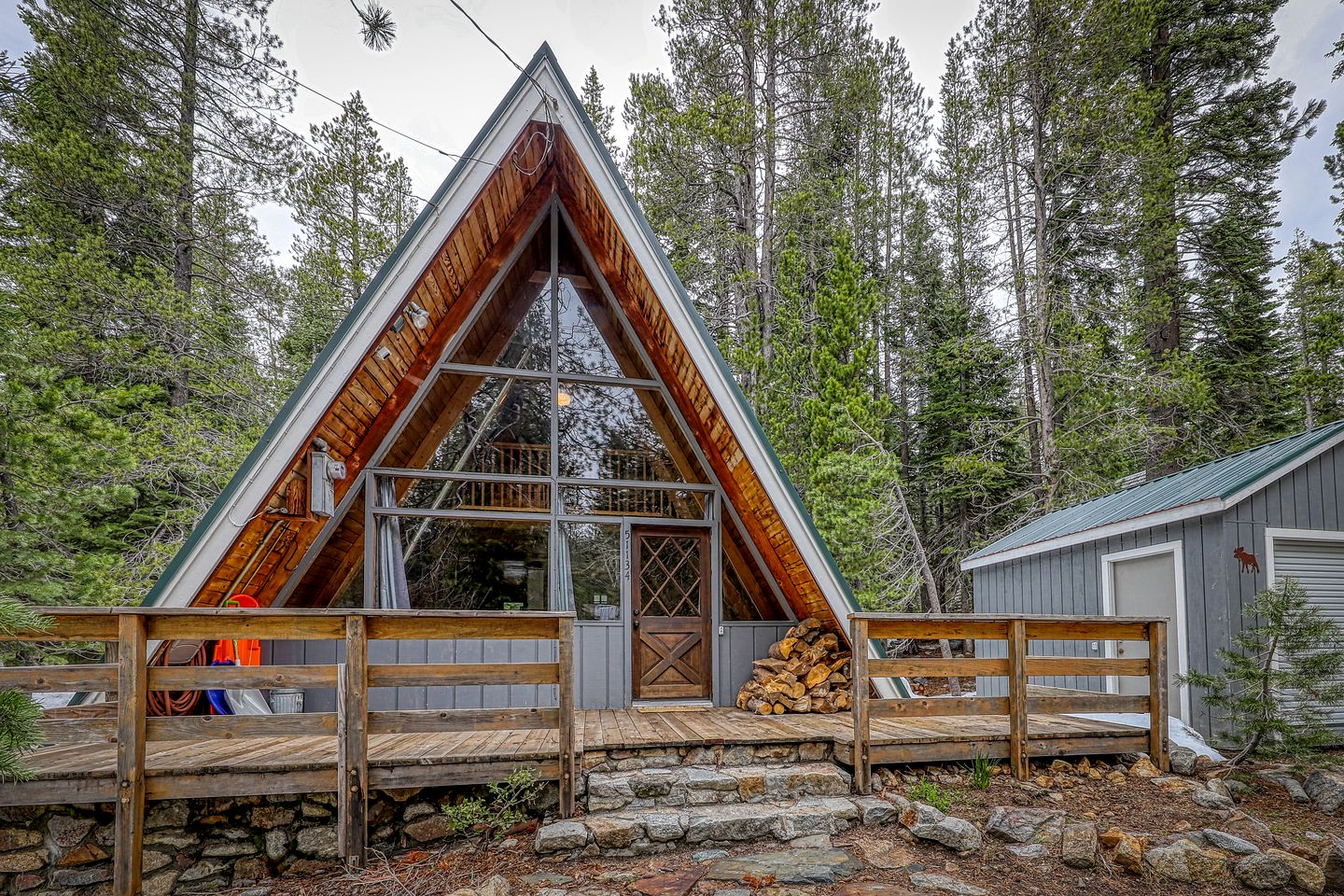 A-Frames (United States, Soda Springs, California)
