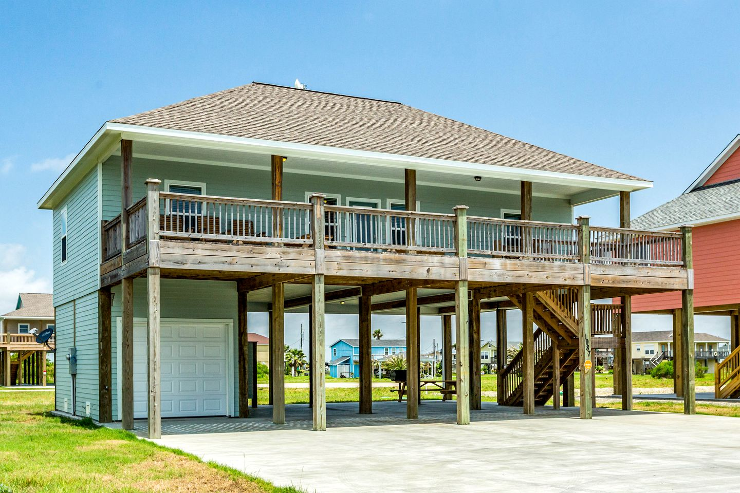 Beach Houses (Crystal Beach, Texas, United States)