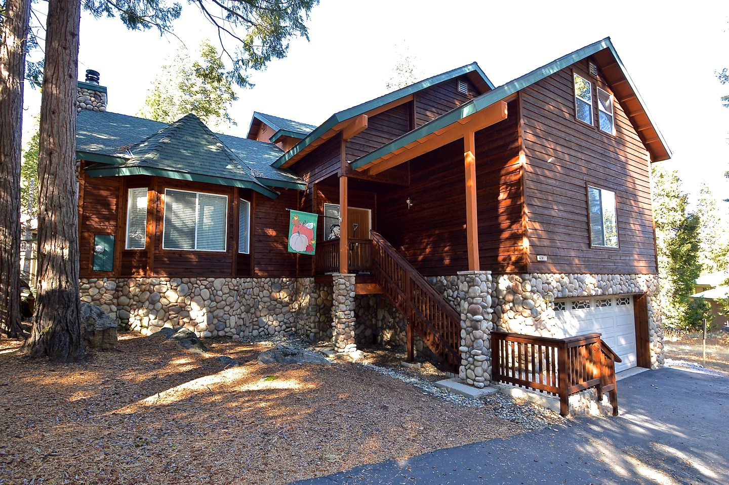 Shaver Lake rentals in Sierra National Forest, California
