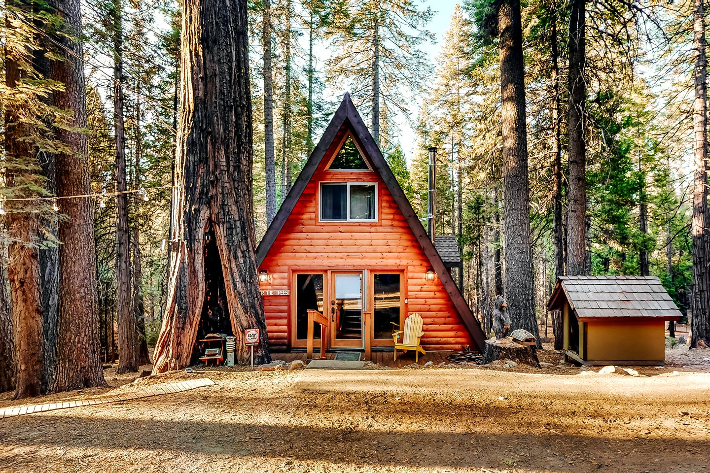 This stunning California vacation cabin is ideal for a family retreat.