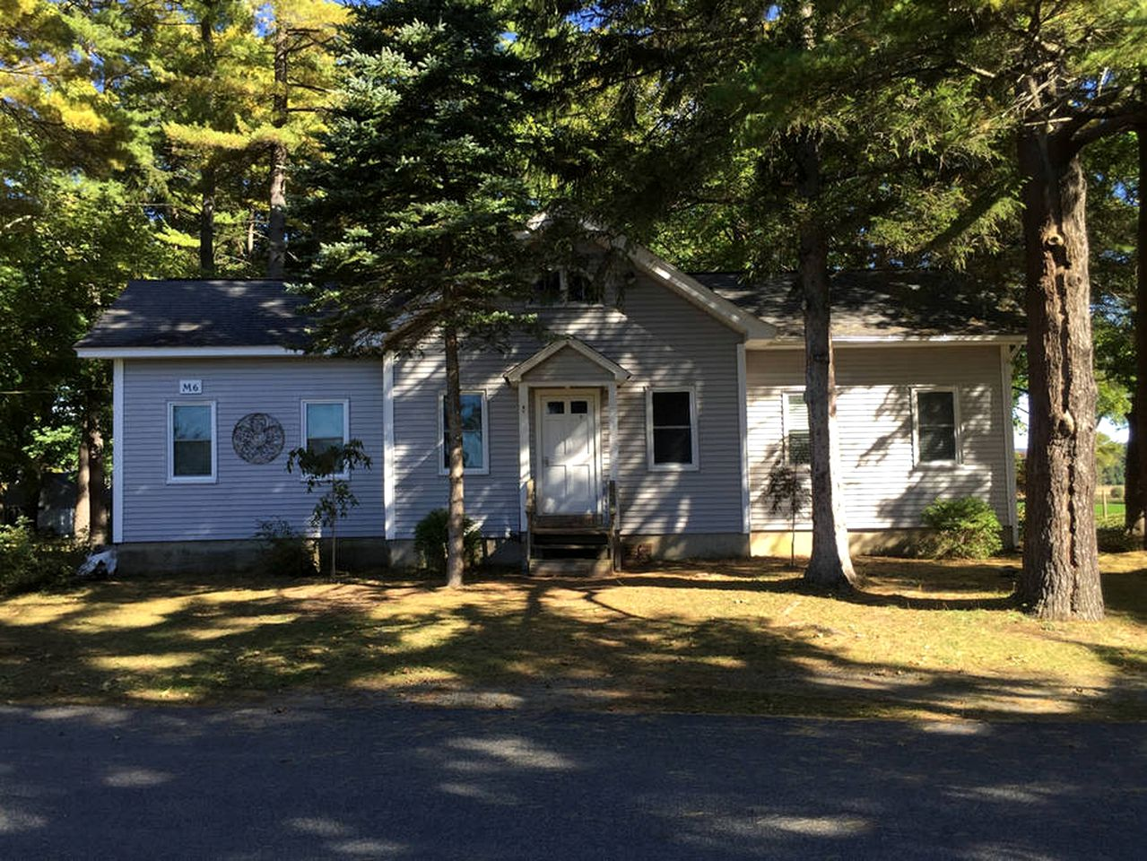 Cabins (Lenox, Massachusetts, United States)