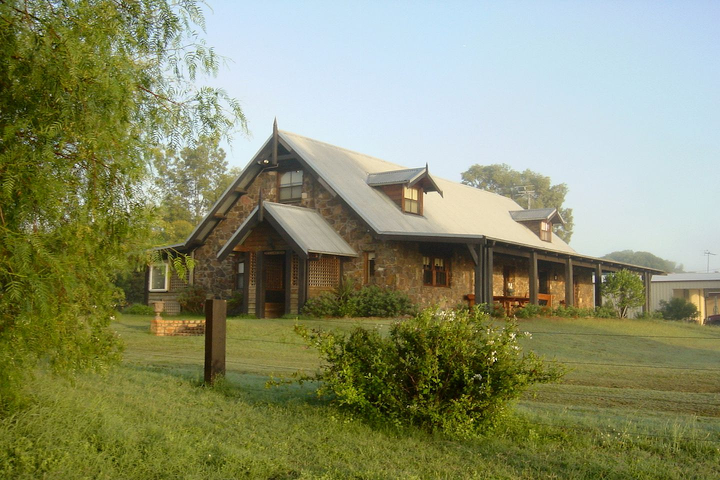 This unique and spacious Hunter Valley accommodation sleeps up to 12 guests, ideal for family getaways in NSW