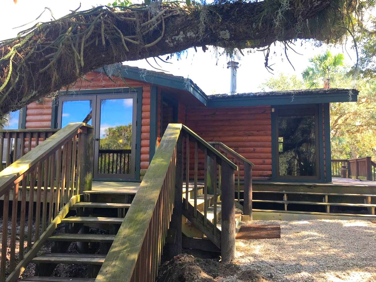 Cabins (Venice, Florida, United States)