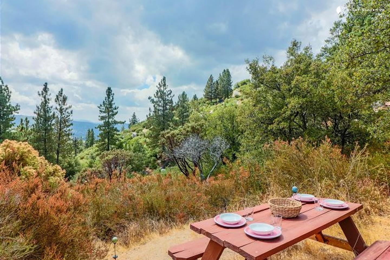 Cabin Rental With A Hot Tub Near Hemet California