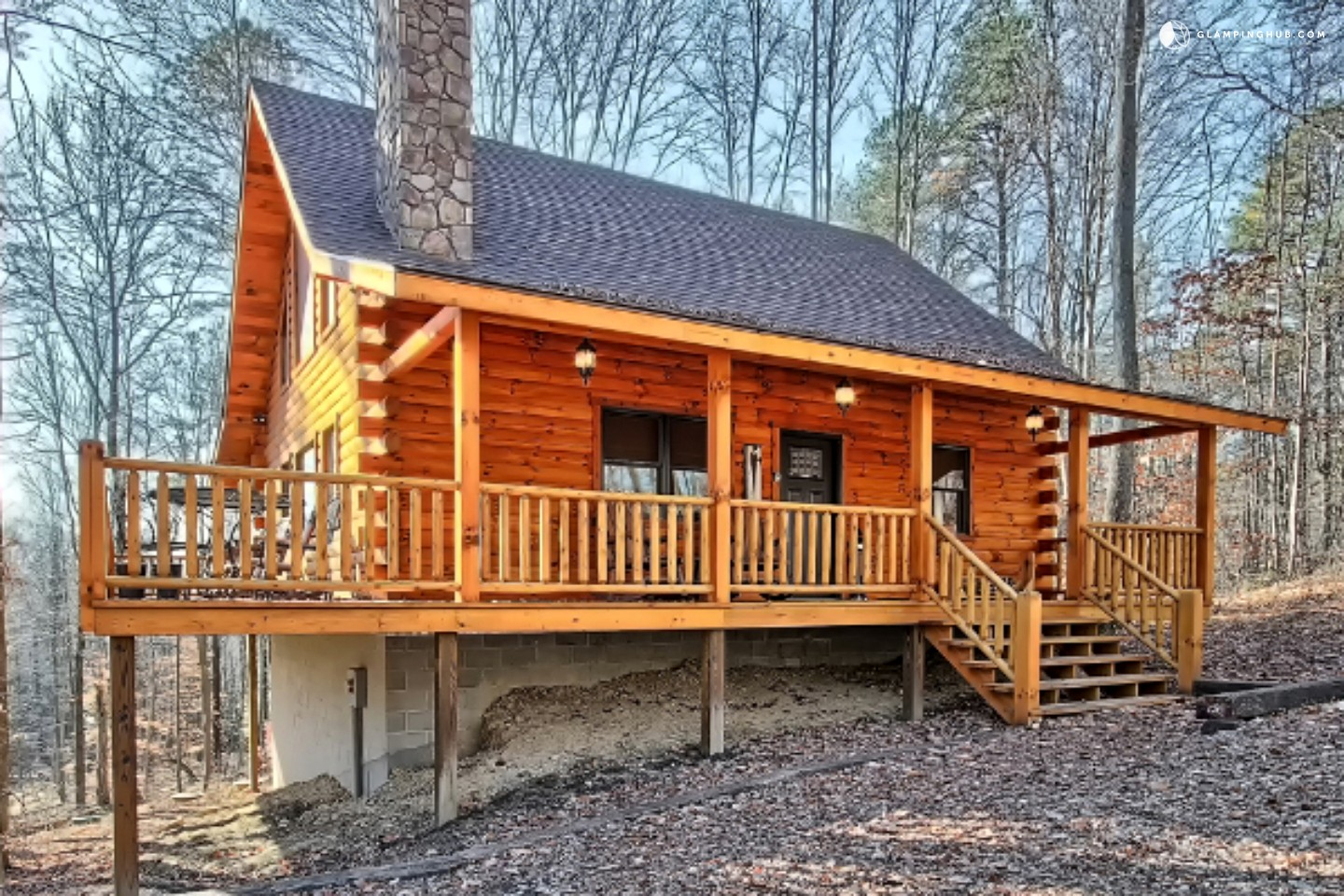 Glamping cabin rental with hot tub in ohio for Cottages with sauna and hot tub