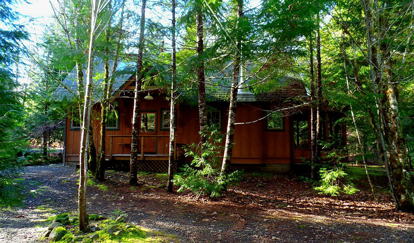 Cabins (McKenzie Bridge, Oregon, United States)