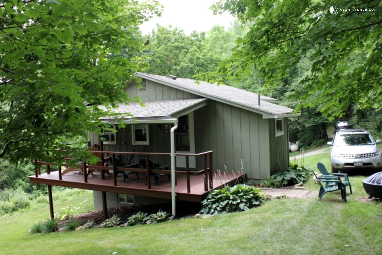 Bristol mountain cabin rental for Cozy cabins rentals