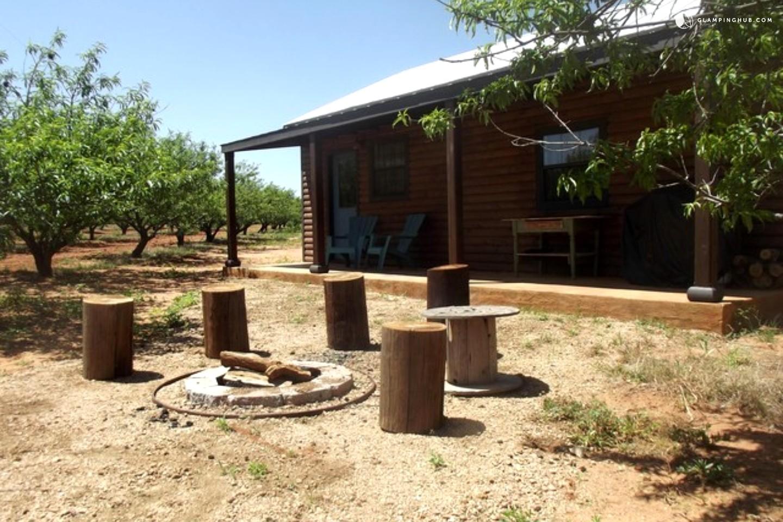 Camping in fredericksburg texas for Cabin rentals fredericksburg tx