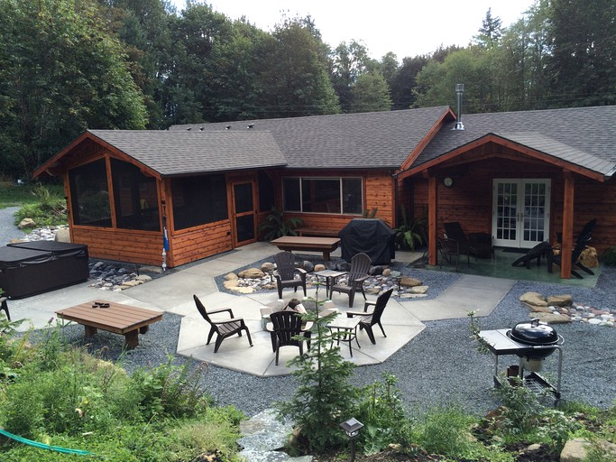 Peaceful Forest Cabin Rental With Hot Tub By Mount Rainier Washington