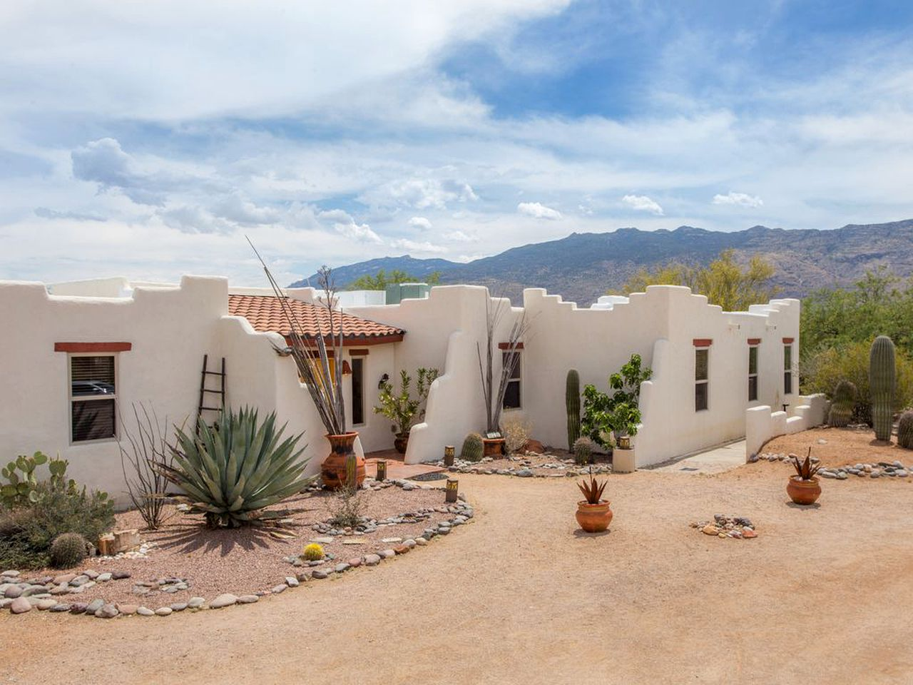 Adobe Rental Near Tucson Arizona