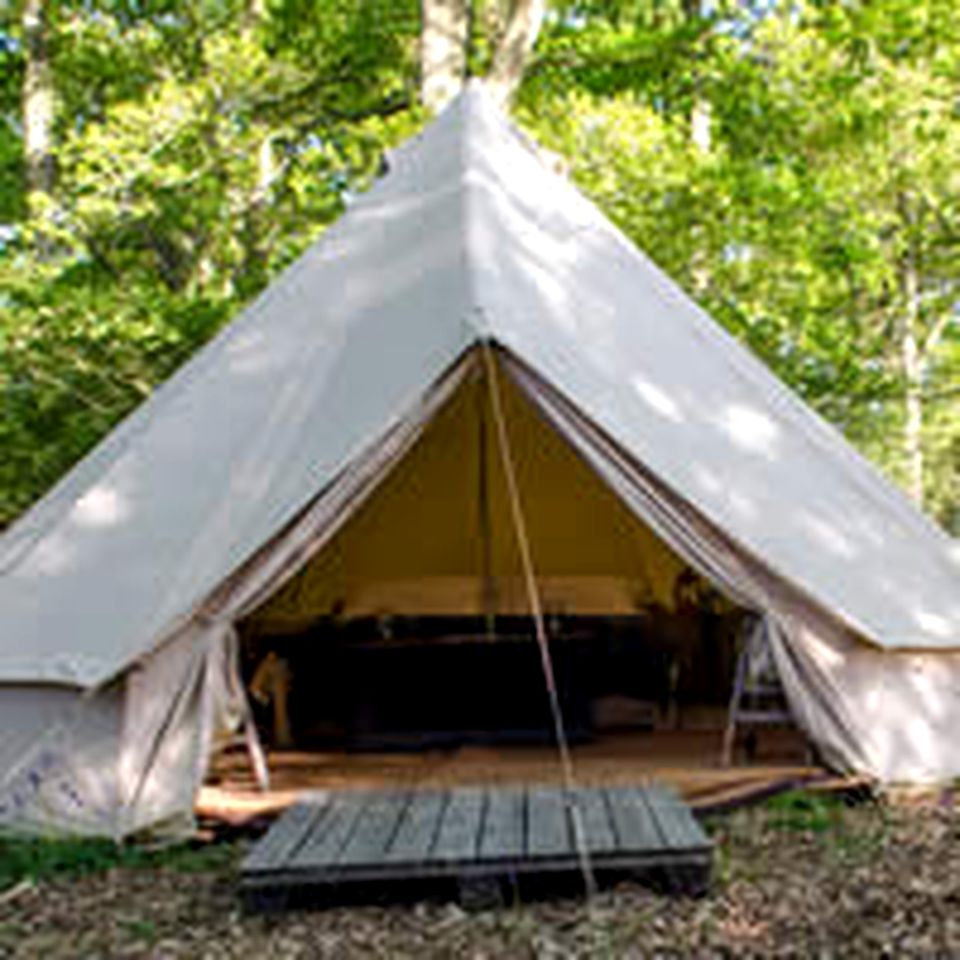 Bell Tents (Horsham, England, United Kingdom)